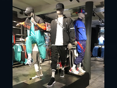 Mannequins at the PUMA store