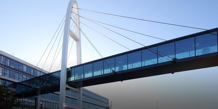 PUMA Brücke bei den Headquarters